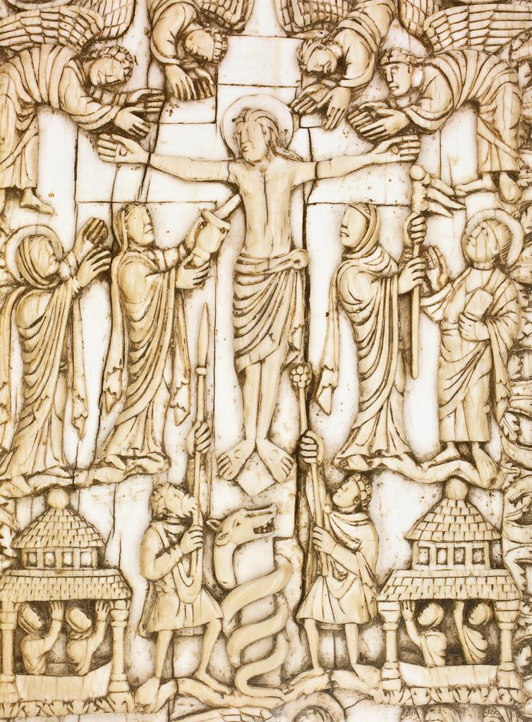 5 Crucifixion, back cover of the Gannat Gospels (detail), ivory, late 9th century. Gannat, Musée Municipale Yves Machelon (photo: Musée Municipale Yves Machelon, Gannat).