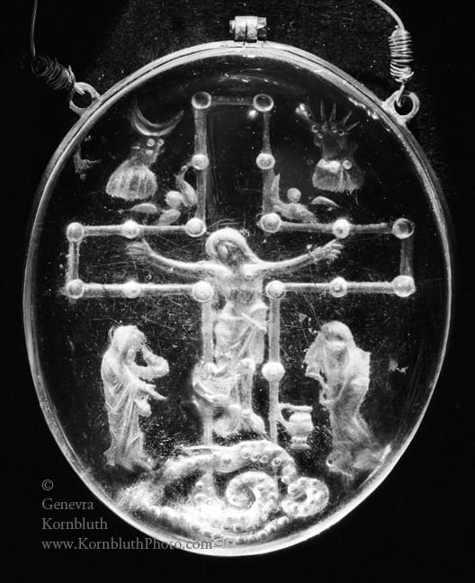 2. Crucifixion, rock crystal intaglio, unengraved obverse, 8.5 x 6.8 cm including mount, second quarter to mid ninth century.  London, British Museum (photo: author).