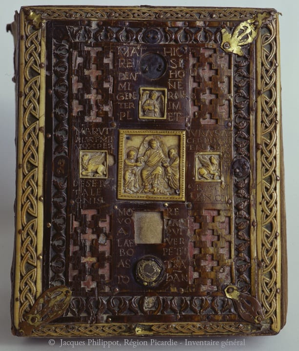 7. Morienval Gospels cover, wood with bronze, ivory, and horn, 24.5 x 19.3 cm, ninth or tenth century. Noyon, Hôtel de ville (photo: © Inventaire général, ADAGP).