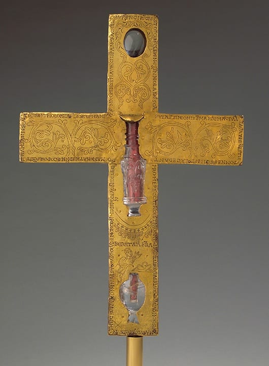 2. Borghorst reliquary cross, reverse, German (Essen?) with Fatimid rock crystal, gold (on obverse), gemstones, rock crystal, pearls, gilt copper (on reverse), wooden core, 41.1cm, ca. 1050. Steinfurt-Borghorst, Pfarrgemeinde St. Nikomedes (photo: ©Stephan Kube, Greven, Germany).