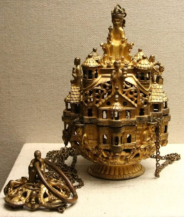4. Gozbertus Thurible, Trier, gilt copper-alloy, 22cm, early 1100s. Trier, Domschatz (photo: © Holly Hayes/Art History Images).