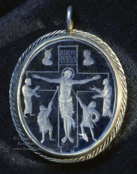 13. Crucifixion, rock crystal intaglio, engraved reverse, 6.1 x 5.4 cm including mount, 855-69. Paris, Cabinet des Médailles, 2167ter (photo: author).