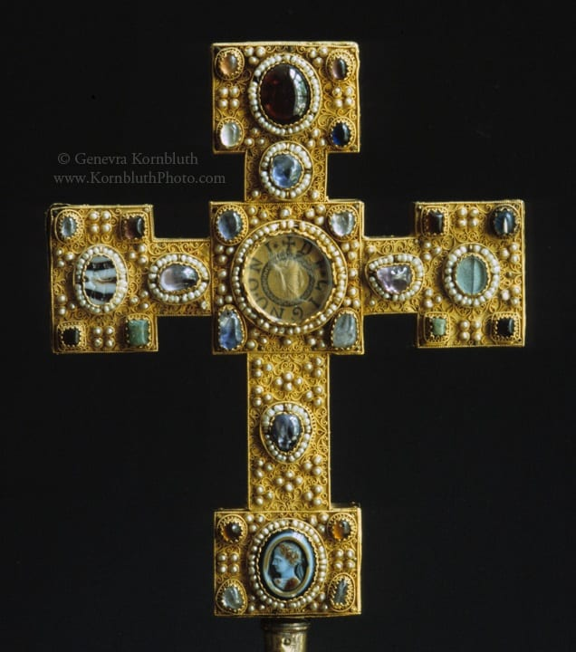 20. Enger cross, obverse, gold with gems and pearls on oak core,  22.4 x 18.5 cm, c.1100-1130. Berlin, Kunstgewerbemuseum, 1888,635 (photo: author).