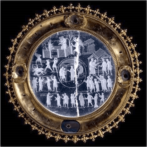 Fig. 4. The cycle of Susanna, Lothair Crystal, possibly Aachen, Carolingian, 855–869. London, British Museum (M&ME 1855.12–1.5)