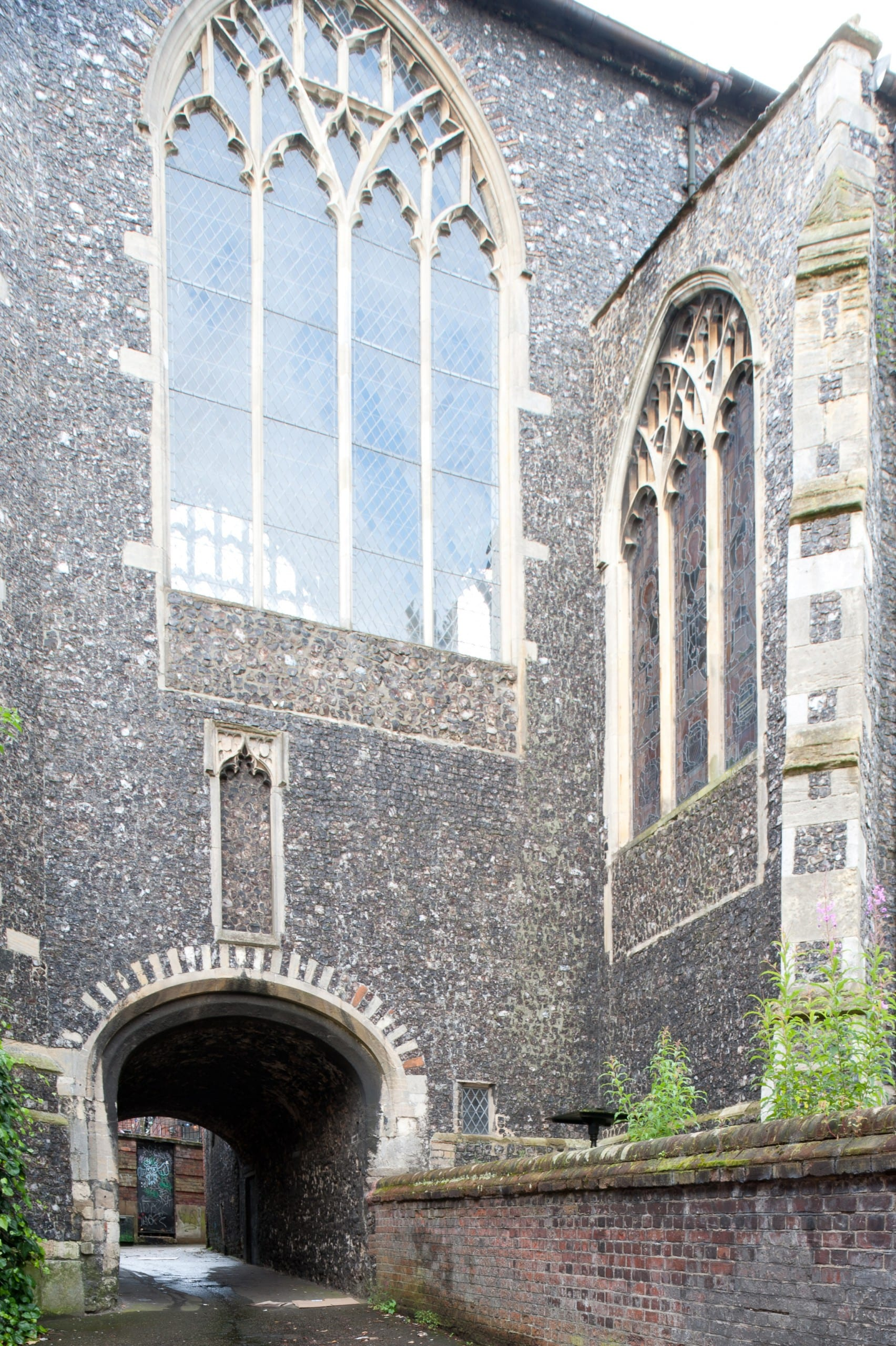 Fig. 7: East end of the former parish church of St. Gregory Pottergate, Norwich, England, view looking southwest (author's photo).